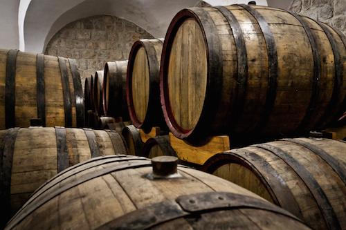 Weinfässer in der Kellerei Cremisan, Foto by Stefano Pinci